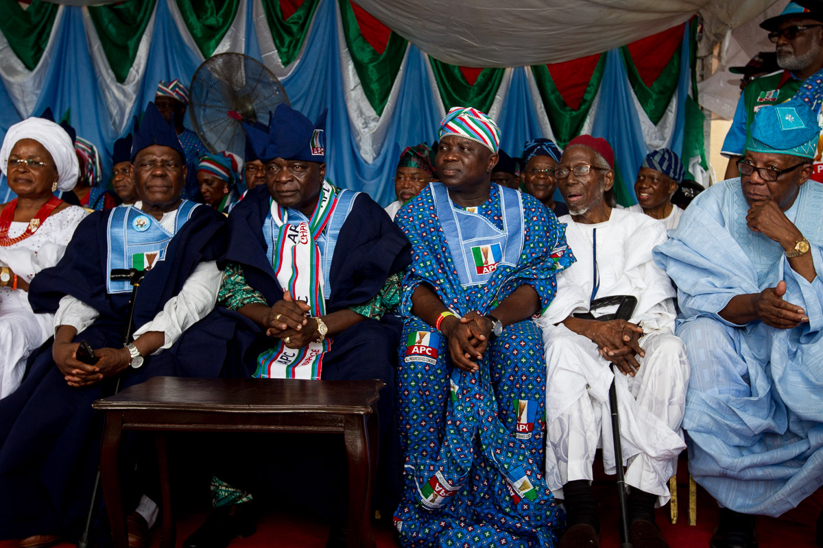 Ambode joins APC Presidential Campaign Train to visit Oba Rilwan Akiolu