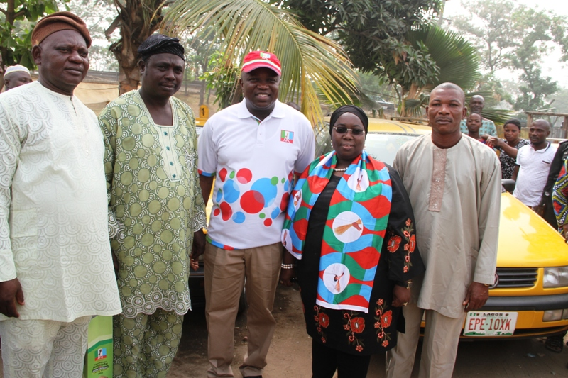 Ambode Meets With the Taxi Drivers Association