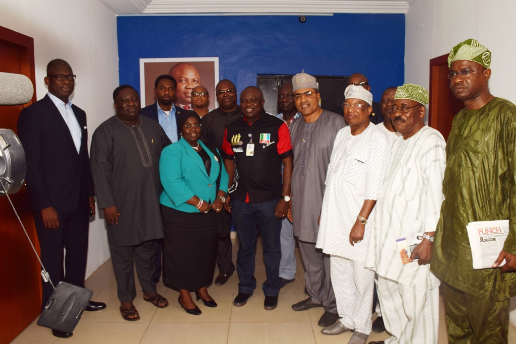 Ambode receives a courtesy visit from Independent Support Group