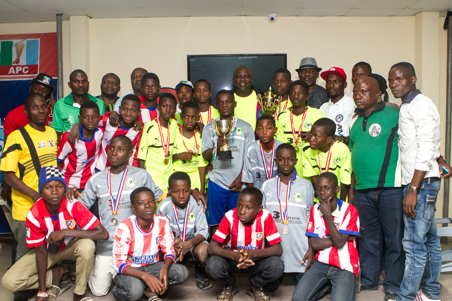 Ambode Hosts the Winners of the Jagaban Cup