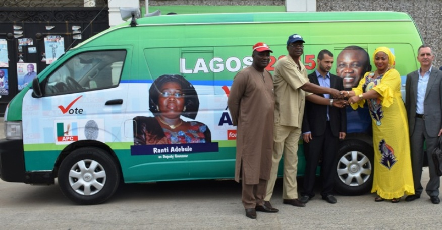 Private Sector Supports Ambode with a Bus Donation