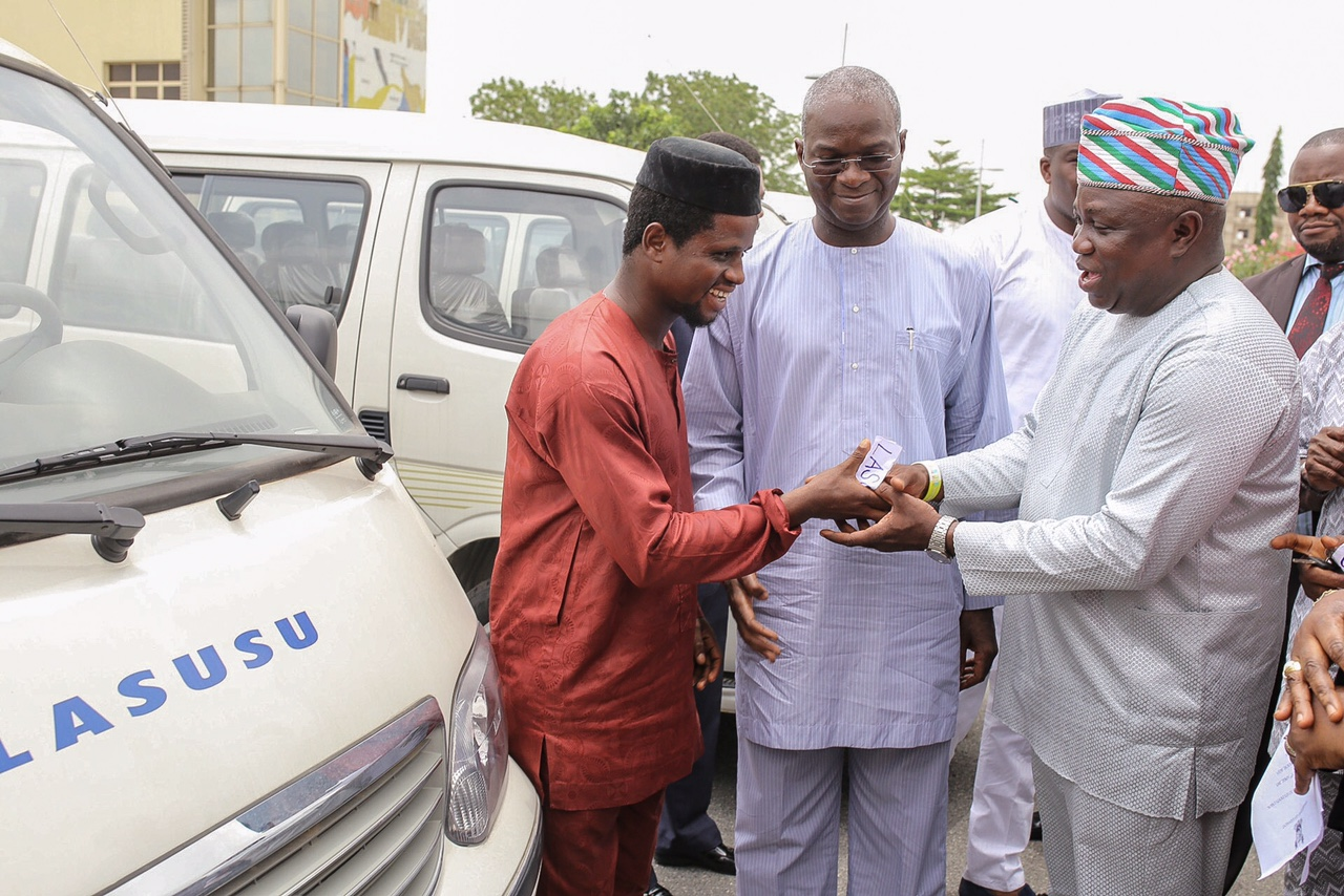 Ambode is Special Guest as Lagos State Government Donates Buses to Student Unions