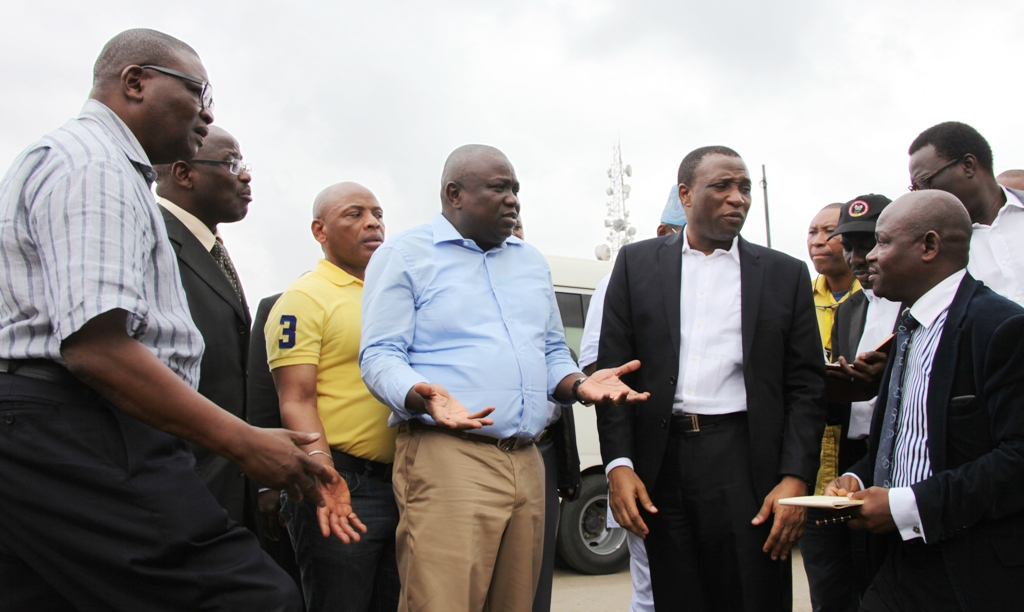 Ambode Visits Major Traffic Points, Approves Construction of Pedestrian Bridge at Berger Bus Stop