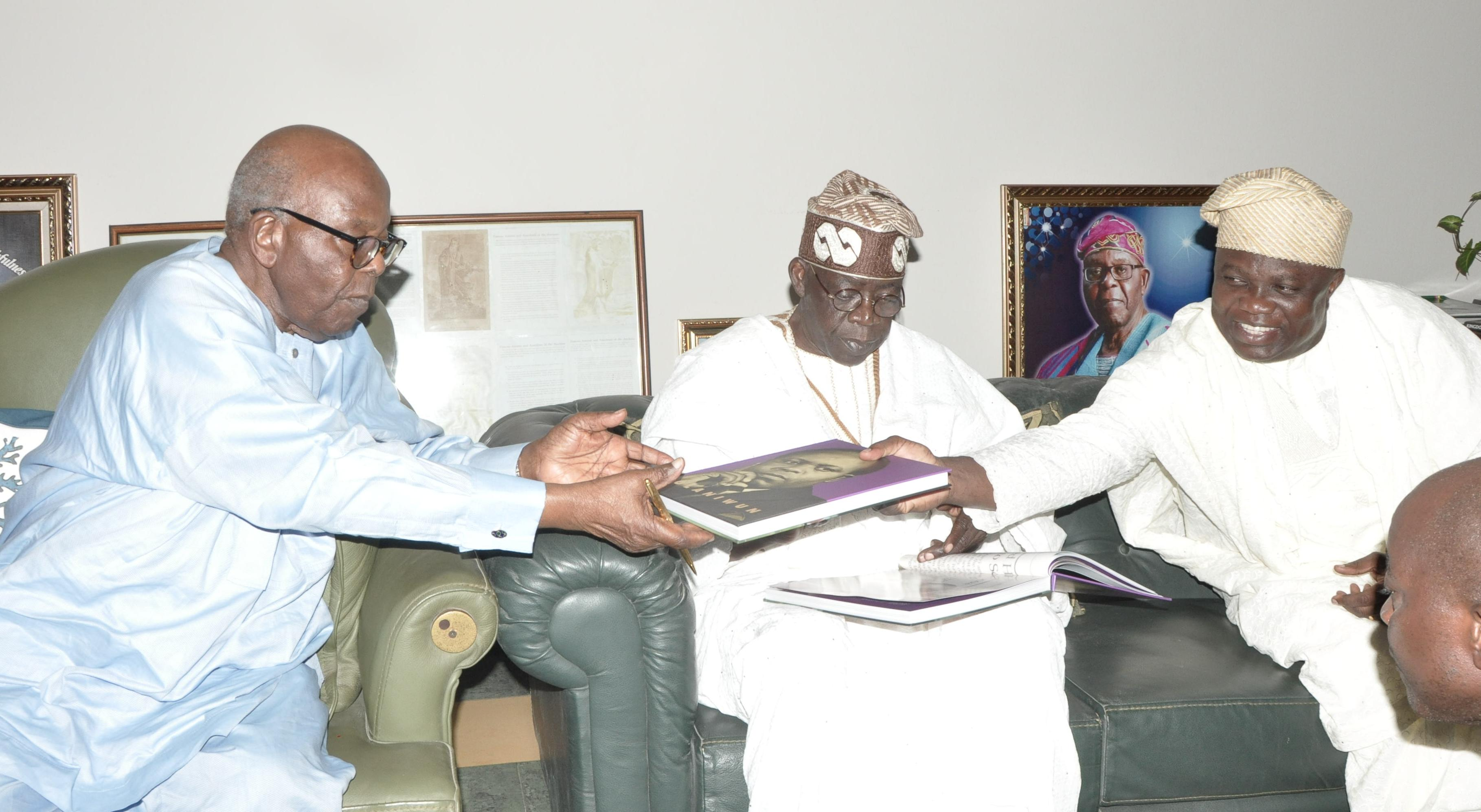 Governor Ambode, Tinubu, Others pay Courtesy Visit to Pa Olaniwun Ajayi in his Ijebu-Ishara Residence in Ogun State