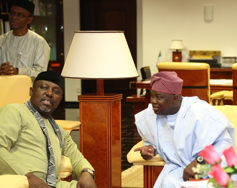 Lagos State Governor, Mr. Akinwunmi Ambode (right), with Chairman, Progressives Governors' Forum & Governor of Imo State, Owelle Rochas Okorocha (left) and Governor of Kaduna State, Mallam Nasir El-Rufai (behind) during the 4th Progressive Governance Lecture Series with the topic - Building the Economy of States: Challenge of Developing Inclusively Sustainable Growth, in Kaduna on Thursday, August 25, 2016.