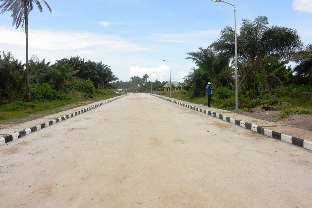 This is Ojuoto/Ajegunle Road in Lekki Local Council Development Area. The new road is 680m long and 8m wide.