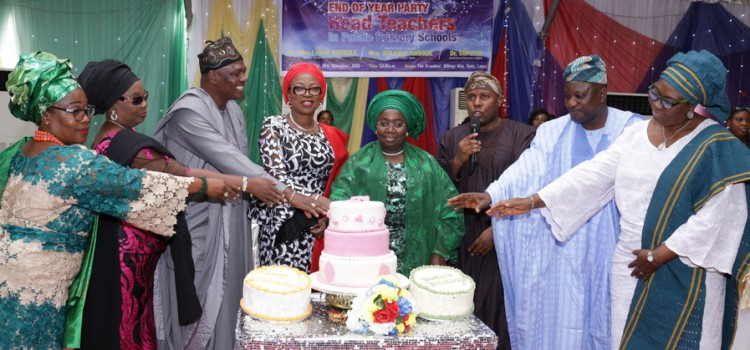 Pictures: Wife of Lagos State Governor, Mrs. Bolanle Ambode At The 2016 End Of Year Party For Head Teachers In Lagos State Primary Schools