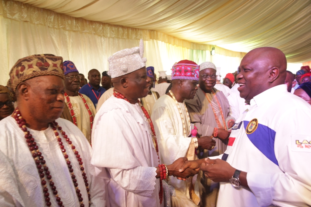 Lagos State Governor, Mr. Akinwunmi Ambode (right), with Oloja of Epe, Oba Kamorudeen Animashaun (left);onitedo Oke Odo Iwerekun, Oba Tajudeen Elemoro (2nd left); Onibeju of Ibeju, Oba Rafiu Salami (3rd left) and Ojomu of Ajiranland, Oba Adetunji Akinloye (2nd right) during the 3rd Quarter 2018 Town Hall meeting (12th in the Series), at the Community Primary School, Iberekodo, Ibeju-Lekki, on Wednesday, July 25, 2018.