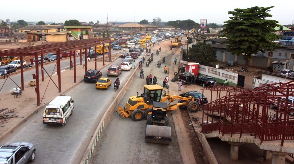 Ongoing construction of the Oshodi-Abule Egba BRT Corridor on Lagos-Abeokuta Expressway, being built by the Lagos State Government.