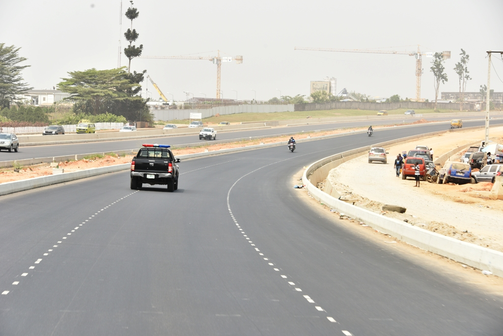 Oshodi-International Airport Road nearing completion, being inspected by Governor Akinwunmi Ambode, on Wednesday, January 9, 2019.
