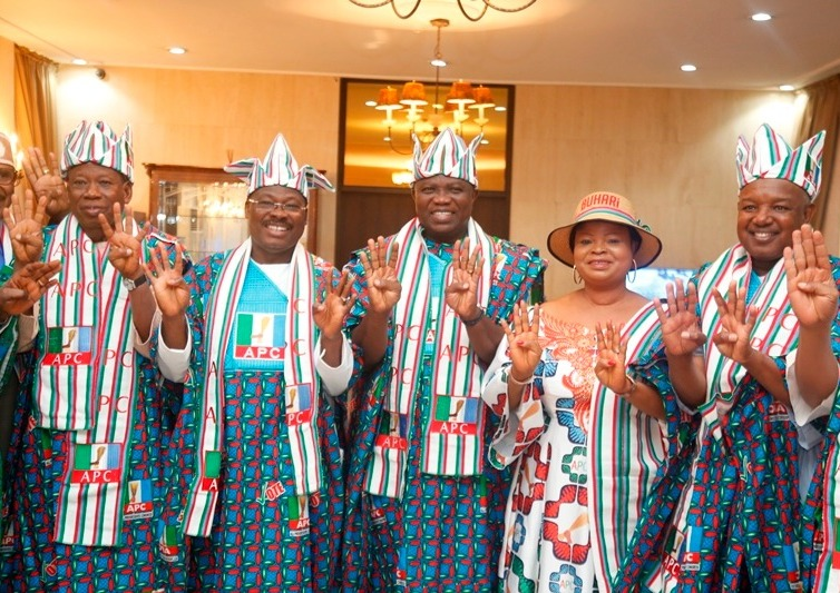 ano State Governor, Alhaji Abdullai Ganduje; Oyo State Governor, Sen. Abiola Ajimobi; Lagos State Governor, Mr. Akinwunmi Ambode; Senior Special Assistant to the President, Mrs. Adejoke Orelope-Adefulire and Governor Atiku Bagudu of Kebbi State during the President's arrival for the APC Presidential Rally at the Presidential Wing of the Murtala Mohammed International Airport, Ikeja, on Saturday, February 9, 2019.