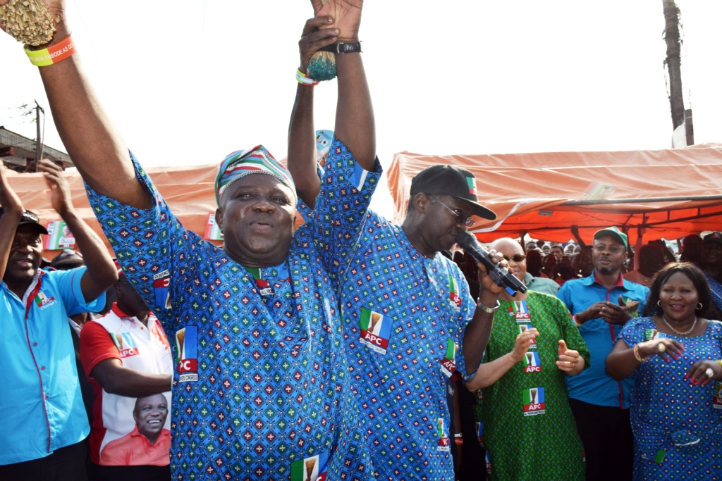 """Ambode is Your Next Governor"" – Fashola Tells Ladipo Market Traders"