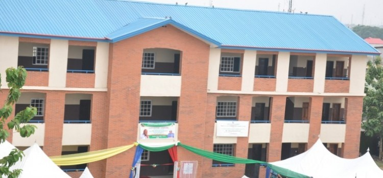 PICTURES: Governor Ambode Commissions Block Of 18 Classrooms With Modern Facilities At Oduduwa Senior Grammar School, Ladipo In Mushin LG