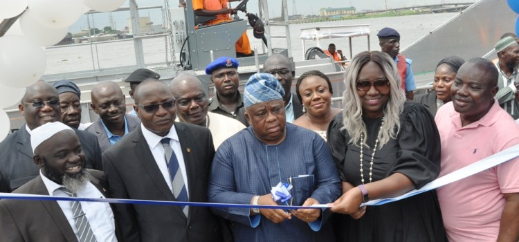 Lagos State Government Begins Clean-Up Of Waterways