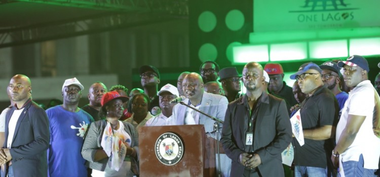 Pictures: #OneLagosFiesta; Governor Akinwunmi Ambode At New Year Countdown