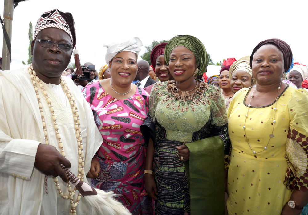 Wife of Lagos State Governor, Mrs. Bolanle Ambode (2nd right), with Barr. Olayinka Oladunjoye (right); Aladeshoyin of Noforija, Oba Babatunde Ogunlaja (left) and APC Southwest Women Leader, Chief (Mrs.) Kemi Nelson (2nd left) during the flag-off of the NYSC Health Initiative for Rural Dwellers in Poka, Epe, Eredo LCDA, Lagos, on Tuesday, 29 August, 2017.