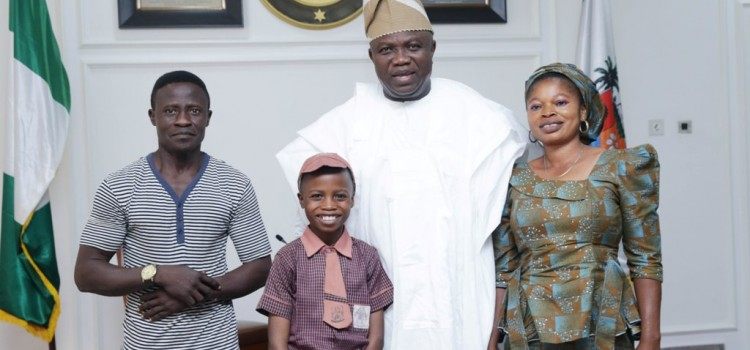 Governor Ambode Hosts 11-Year-Old Hyperrealist Artist, Promises Him Educational Support