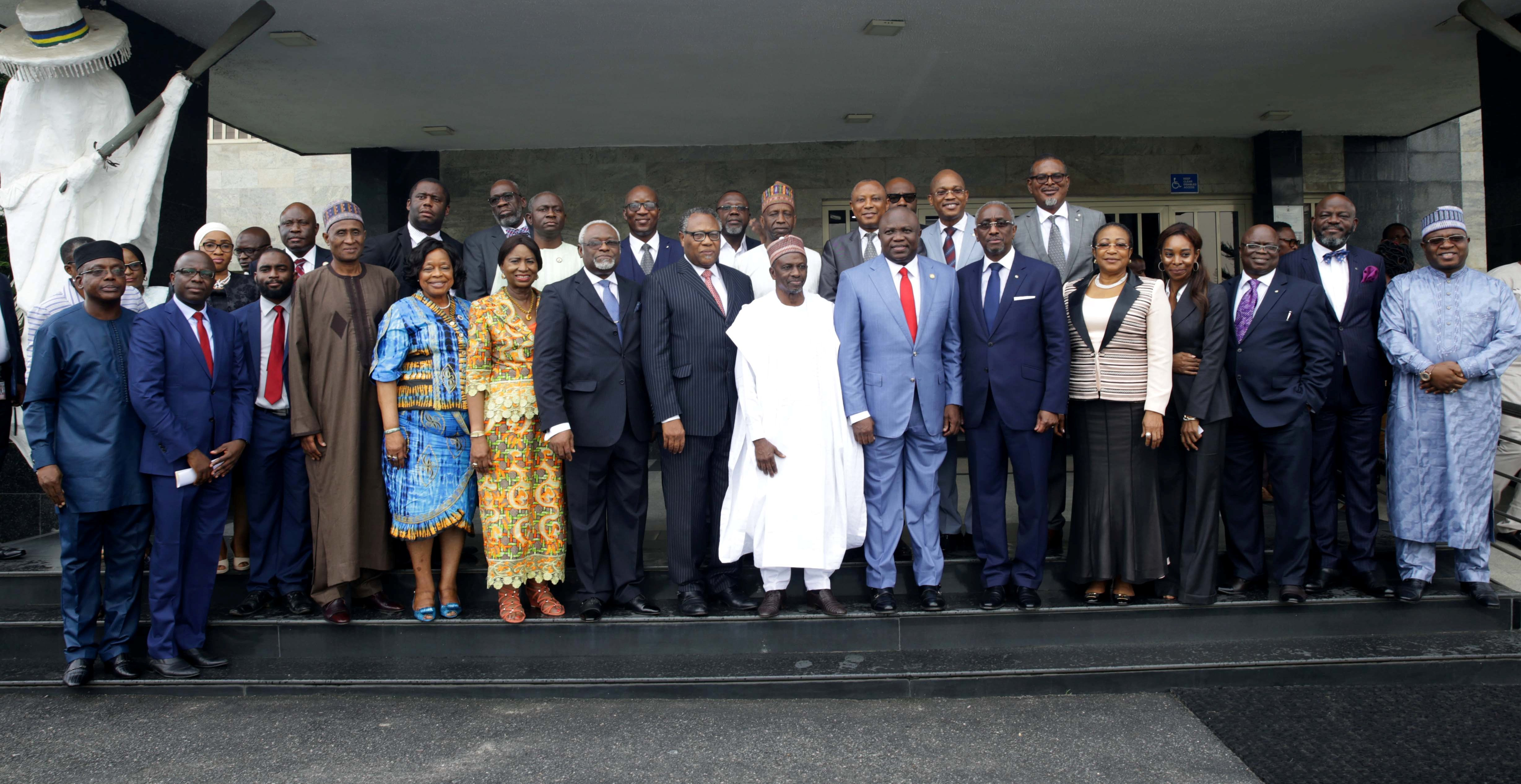 Lagos State Governor, Mr. Akinwunmi Ambode (middle), in a group photograph with the President, Institute of Directors (IoD), Alhaji Ahmed Rufai Mohammed and members of the Governing Council during a courtesy visit to the Governor, at Lagos House, Alausa, Ikeja, on Tuesday, September 11, 2018.